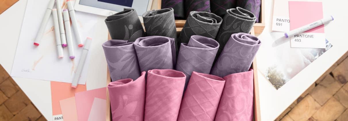 Kompressionsstrümpfe in modischen Farben und unterschiedlichen Dessins bei Carepoint
